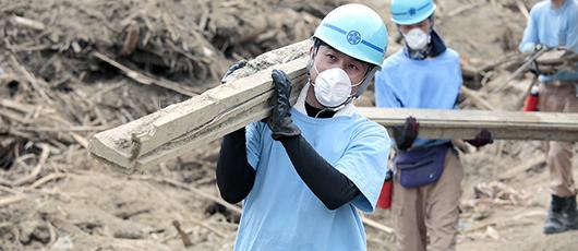 Tenrikyo Disaster Relief Hinokishin Corps Helps Rainstorm Victims in Northern Kyushu